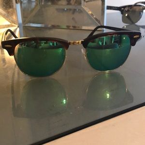 Ray-Ban tortoise clubmaster